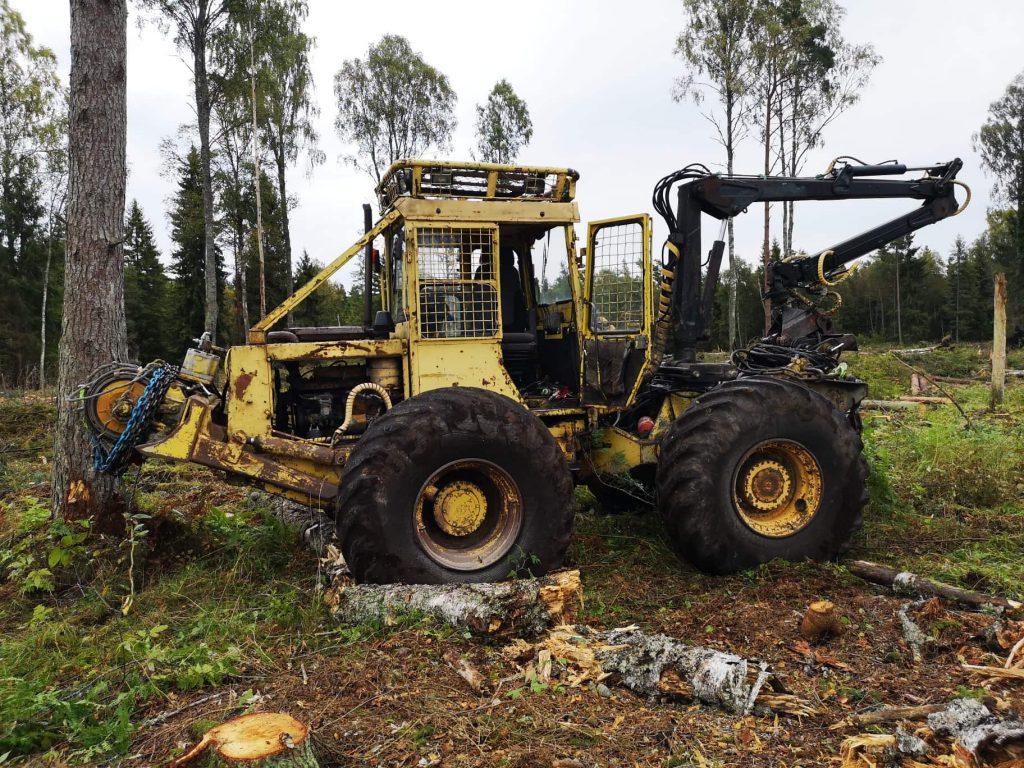 Väljatõmbamist teostav traktor